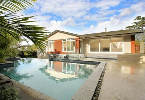 Remuera, PRIVATE LOCATION -STUNNING POOL - POOL TABLE, Property ID: 38002023 | Barfoot & Thompson