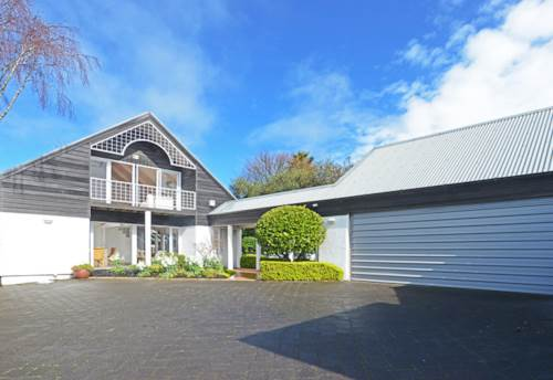 Remuera, SPACIOUS & DOUBLE GRAMMAR ZONE, Property ID: 38002042 | Barfoot & Thompson