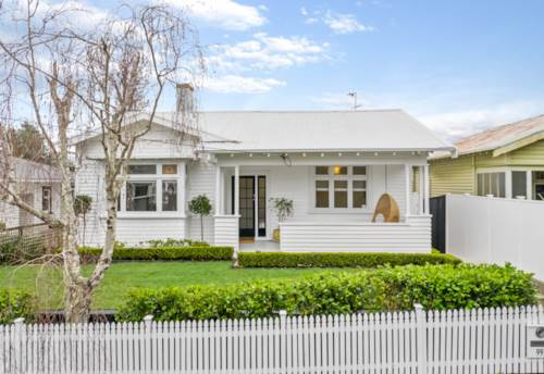 Ponsonby, Gracious 1920's Bungalow, Property ID: 38002050 | Barfoot & Thompson