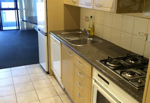 City Centre, Spacious One Bedroom With A Carpark, Property ID: 39001466 | Barfoot & Thompson