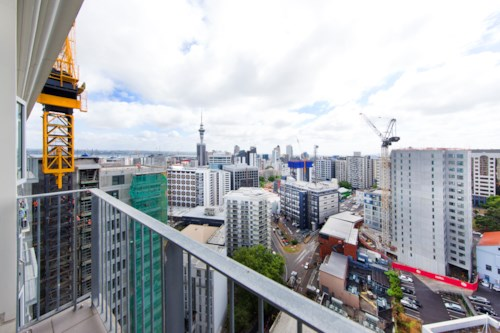 City Centre, Top floor two bedrooms, Property ID: 39001532 | Barfoot & Thompson