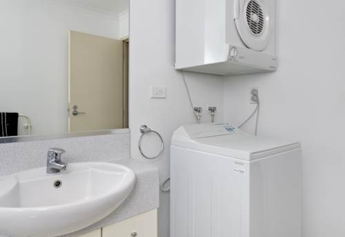 City Centre, TOWER HILL STUDIO WITH CAR PARK, Property ID: 39001828   Barfoot & Thompson
