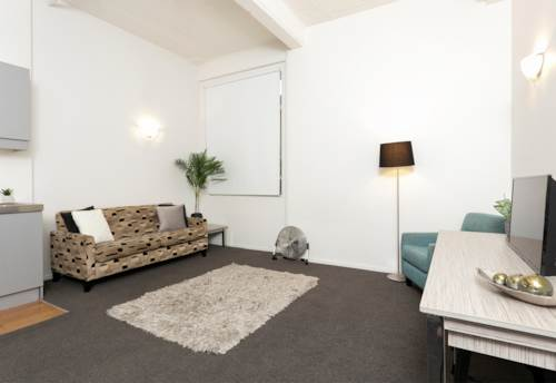 City Centre, RECENTLY RENOVATED Furnished One bedroom apartment **INCLUDES HOT & COLD WATER**, Property ID: 39001880 | Barfoot & Thompson