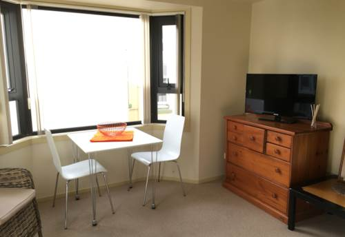 City Centre, Central and sunny Studio, Property ID: 39001986 | Barfoot & Thompson