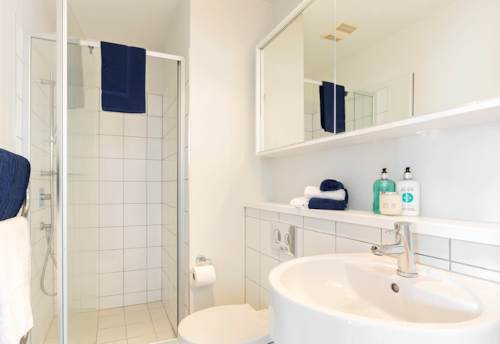 City Centre, HARBOUR OAKS - Level 18 - Furnished One bedroom with New Queen Pillowtop Mattress!, Property ID: 39002036   Barfoot & Thompson