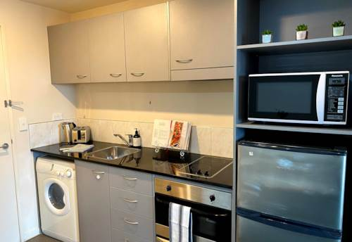 City Centre, Furnished ONE Bedroom in City Gardens on LEVEL 13 ***INCL COLD WATER*** Open Term Lease!!!, Property ID: 39002139 | Barfoot & Thompson