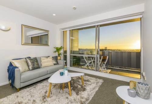 City Centre, One Bedroom with Carpark, Property ID: 39002169 | Barfoot & Thompson