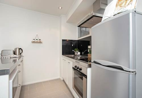 City Centre, Furnished 2 brms + Carpark in Federal Apartments  *HOT & COLD WATER INCL*, Property ID: 39002229   Barfoot & Thompson