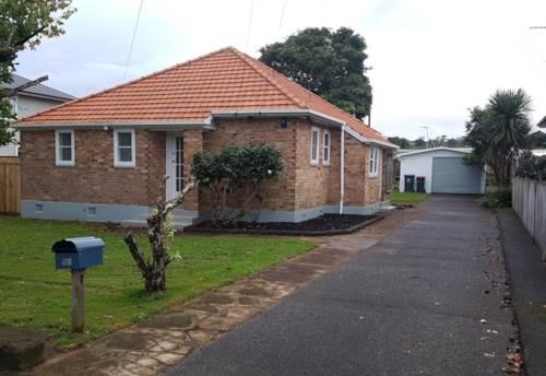 Onehunga, Brick family home with great back yard., Property ID: 39002276 | Barfoot & Thompson