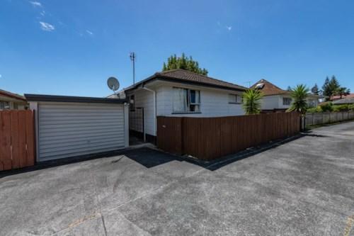 Highland Park, Highland Park, Furnished Three bedrooms , Property ID: 39003377 | Barfoot & Thompson