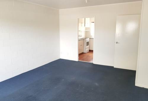 Ellerslie, Two bedroom in Ellerslie with Carpark, Property ID: 39003404 | Barfoot & Thompson
