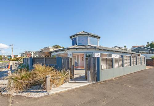 Browns Bay, Please register online on https://www.barfoot.co.nz to book a viewing time., Property ID: 39003422 | Barfoot & Thompson