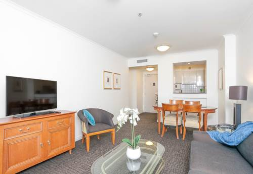 City Centre, Spacious One Bedroom in Quay West, Property ID: 39003436 | Barfoot & Thompson