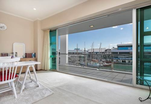 City Centre, Beautiful Views from Shed 22, Property ID: 39003442 | Barfoot & Thompson