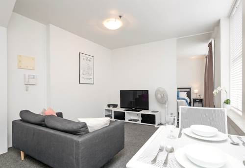 City Centre, Wonderful Wolfe Street Apartment, Property ID: 39003450 | Barfoot & Thompson