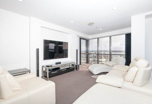 City Centre, One Bedroom with a Car Park and Beautiful Views, Property ID: 39003456 | Barfoot & Thompson