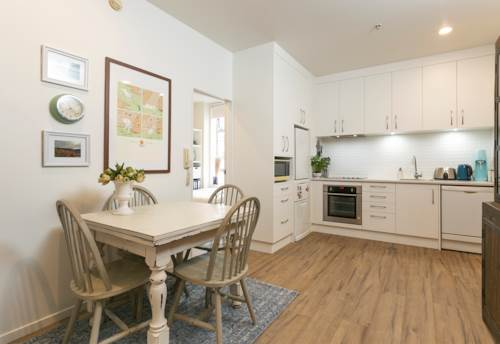 City Centre, Renovated Two Bedroom Apartment, Property ID: 39003478 | Barfoot & Thompson