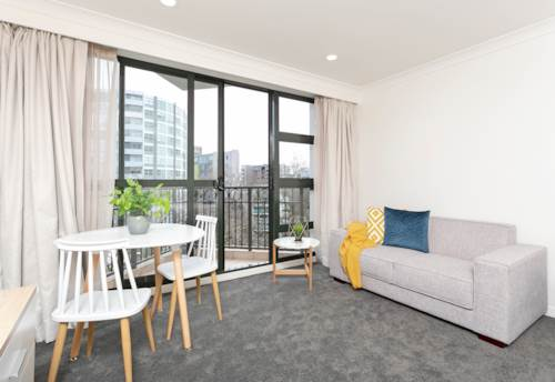 City Centre, Newly Renovated Studio Apartment - POWER, WATER, INTERNET & CARPARK INCL, Property ID: 39003560 | Barfoot & Thompson