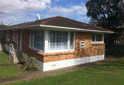 Mt Wellington, Two bedroom unit., Property ID: 40000605 | Barfoot & Thompson