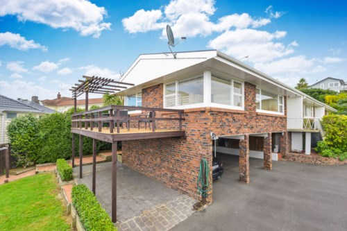 Glendowie, Well presented unit in an excellent location, Property ID: 40001767 | Barfoot & Thompson