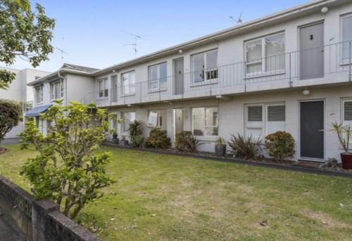 Kohimarama, BEST LITTLE UNIT FOOTSTEPS TO  KOHI BEACH, Property ID: 40001819   Barfoot & Thompson