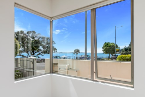 St Heliers, BEACHFRONT APARTMENT - GROUND FLOOR- SECURE PARKING , Property ID: 40001877 | Barfoot & Thompson