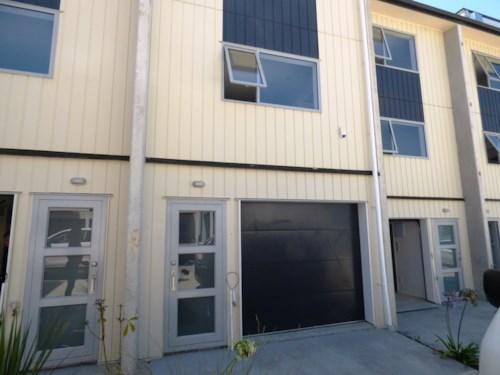 Te Atatu South, Brand new home & it's avalible now  - 64 Niu Lane, Te Atatu South  Unit 43, Property ID: 40001903 | Barfoot & Thompson