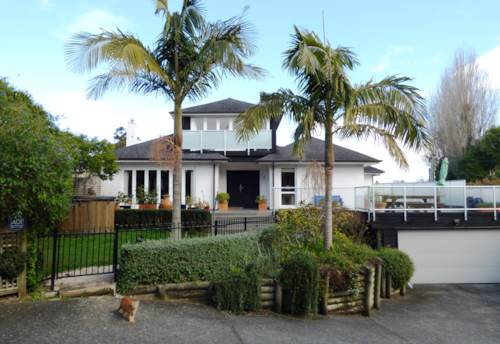St Heliers, Large family home in the Bays, Property ID: 40001935 | Barfoot & Thompson