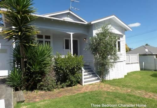 Takapuna, Three Bedroom Character Home in Quiet Takapuna Location, Property ID: 41001238   Barfoot & Thompson