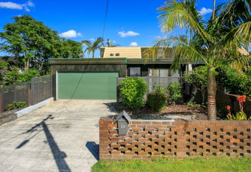 Hauraki, Renovated property offering sea views !! Must be rented before Christmas, Property ID: 41001291 | Barfoot & Thompson
