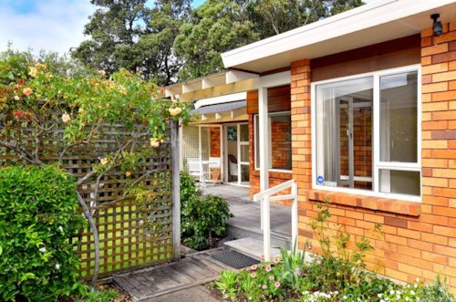 Bayswater, QUIET & PEACEFUL IN BAYSWATER, Property ID: 41001432 | Barfoot & Thompson