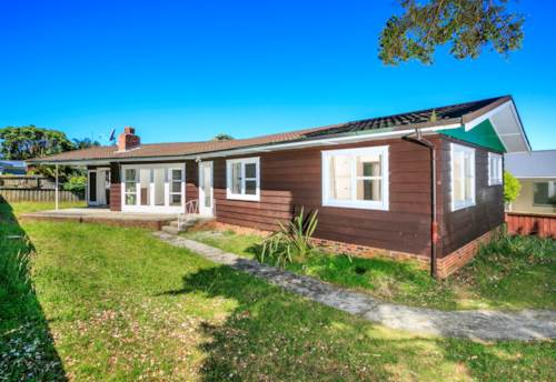Hillcrest, Spacious, Sunny Family Home in Hillcrest, Property ID: 41001443 | Barfoot & Thompson