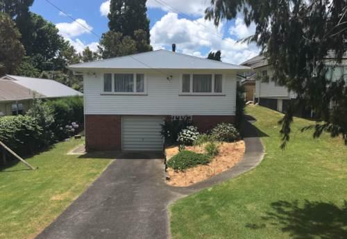 Belmont, Family Home on Full Site:  Takapuna Grammar Zone, Property ID: 41002505 | Barfoot & Thompson