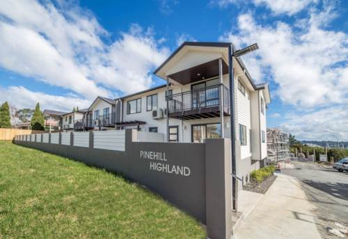 Pinehill, Beautifully Presented Townhouse - Pinehill Highland, Property ID: 41002527 | Barfoot & Thompson