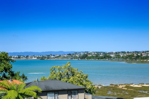 Takapuna, WALTER ST WITH WATER VIEWS, Property ID: 41003586 | Barfoot & Thompson