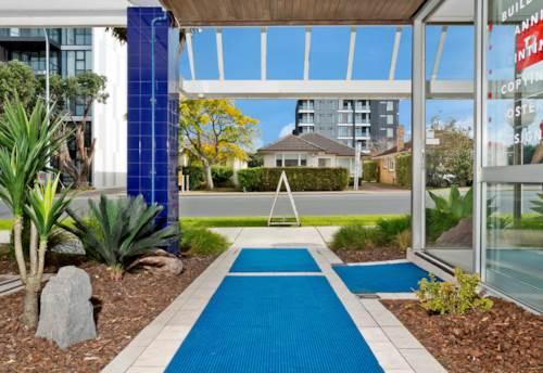 Takapuna, Central Takapuna Apartment, Property ID: 41003610 | Barfoot & Thompson