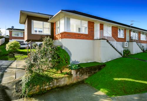 Northcote Point, Spacious Sunny 2 Bedroom Unit on Northcote Point, Property ID: 41003612 | Barfoot & Thompson