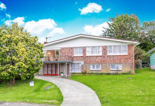 Massey, Spacious Classic Brick 'n' Tile, Property ID: 42000575 | Barfoot & Thompson