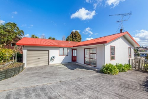 Massey, Family home in convenient location, Property ID: 42000600 | Barfoot & Thompson
