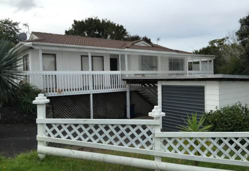 West Harbour, Family home in great location, Property ID: 42000617 | Barfoot & Thompson