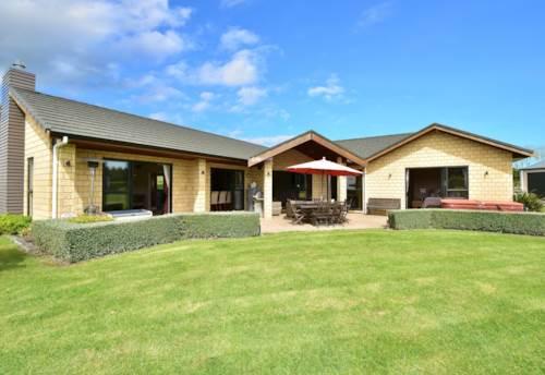 Kumeu, KUMEU LIFESTYLE DREAM, Property ID: 42000668 | Barfoot & Thompson