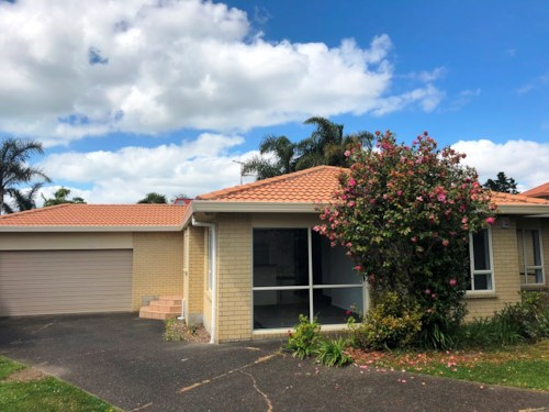 Hobsonville, Beautifully Redecorated, Property ID: 42000687 | Barfoot & Thompson