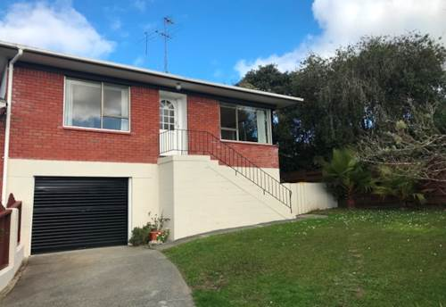 Royal Heights, Super Handy Location at Royal Heights, Property ID: 42000742 | Barfoot & Thompson