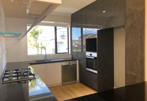 Hobsonville, Near new in great location, Property ID: 42000767   Barfoot & Thompson