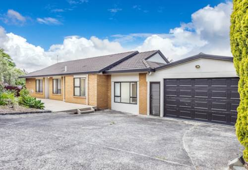 West Harbour, Modern home in handy location, Property ID: 42000790 | Barfoot & Thompson