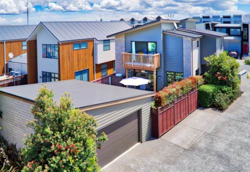 Hobsonville, Stunning Near New Home, Property ID: 42000805   Barfoot & Thompson