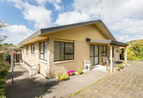 Kamo, Tidy 2 bedroom unit, Property ID: 43000813 | Barfoot & Thompson