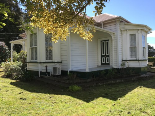 Kauri, Character Home With Rural Views, Property ID: 43000916 | Barfoot & Thompson