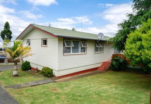 Onerahi, Large Family Home, Property ID: 43000945 | Barfoot & Thompson