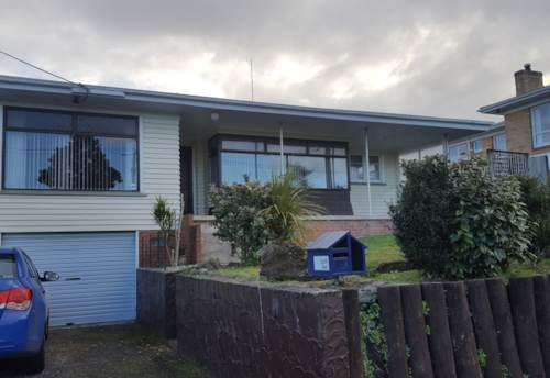Whau Valley, Large 2 Bedroom House, Property ID: 43001051 | Barfoot & Thompson